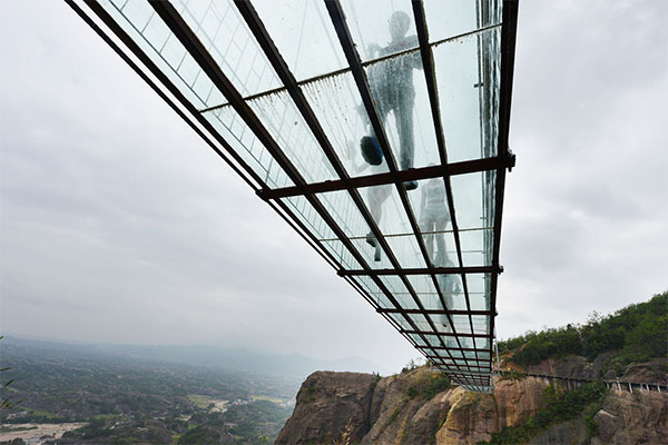 أطول جسر زجاجي 4