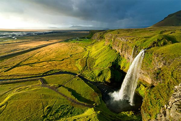 شلالات ايسلندا 9