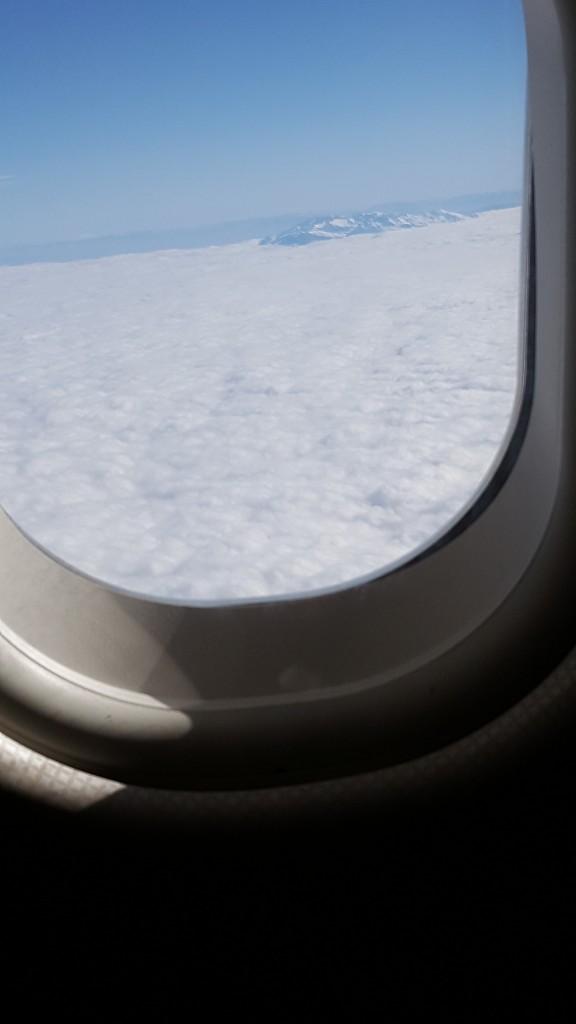 قمة الجبل بين الغيوم