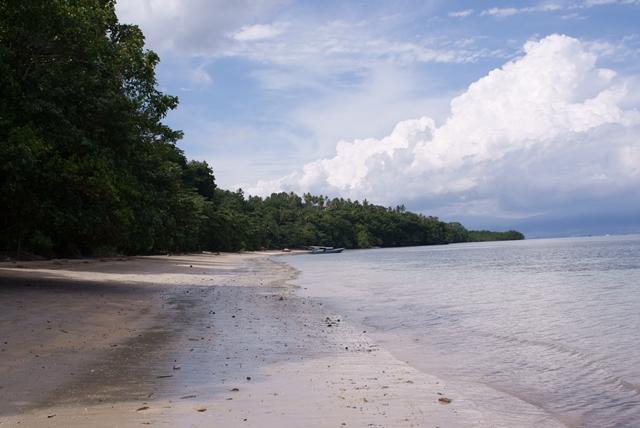 Liang_Beach_Bunaken