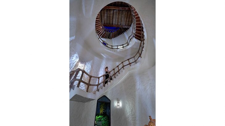 Wine_Tower_staircase3_[6873-ORIGINAL]