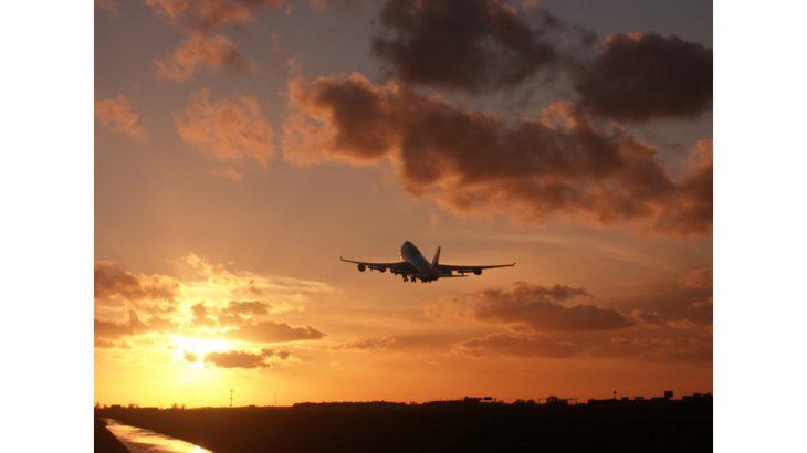 iStock_Sunrise_plane_1340239Small