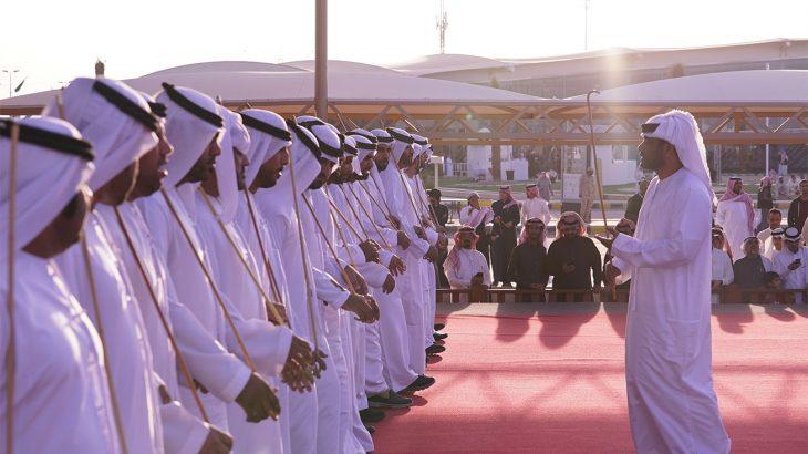 إقبال جماهيري على جناح دولة الإمارات في مهرجان الجنادرية 32 (1)