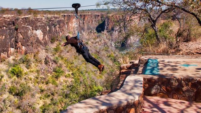 AVANI Victoria Falls Resort_AVANIMe Batoka Gorge Swing