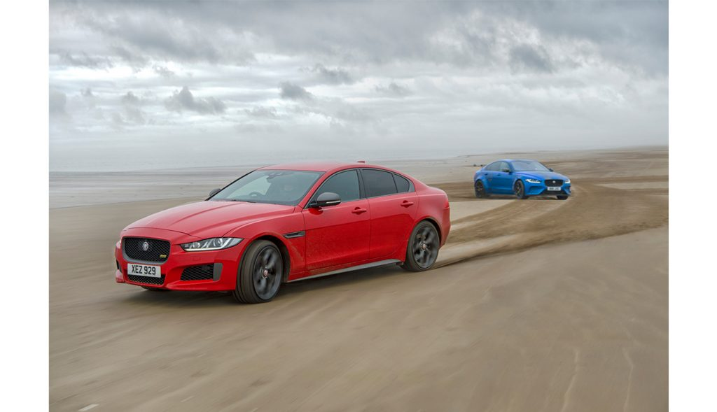TWO CARS ONE DNA JAGUAR XE 300 SPORT AND SV PROJECT 8_181018_ (2)