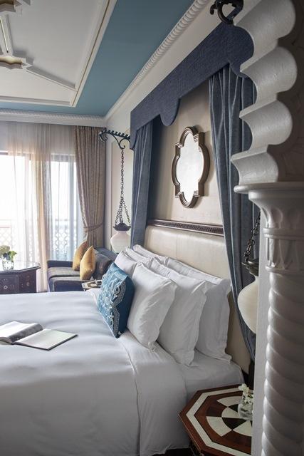 Jumeirah-Al-Qasr-Ocean-Deluxe-Bedroom-King3