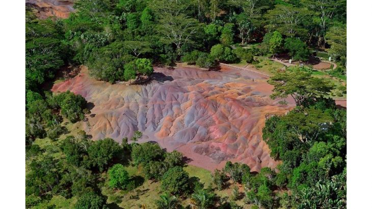 Seven Coloured Earths, Mauritius