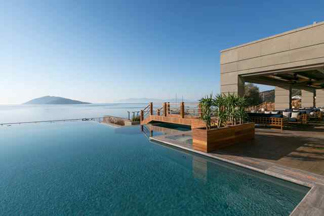 Caresse Infinity Pool-2