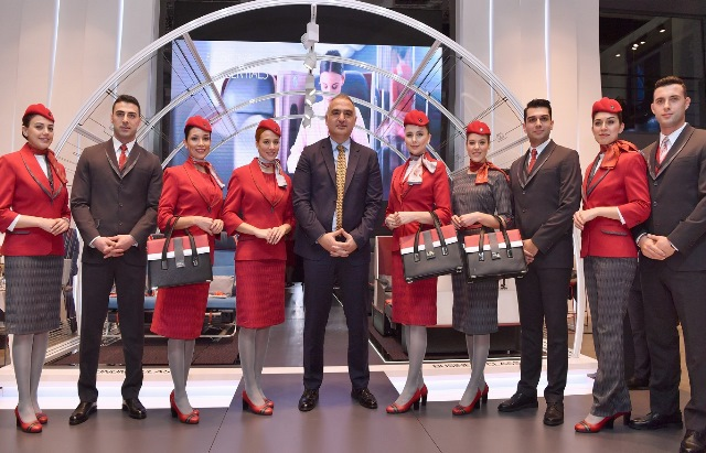 Turkish Airlines presents new cabin uniforms at acclaimed fashion show at ITB Berlin (4)