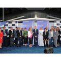 ممثلون عن الشركات الفائزة بجوائز التميز من مطارات دبي