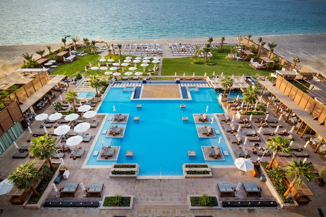 Hotel Pool & Beach