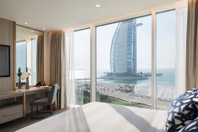 Jumeirah Beach Hotel - Suite Bedroom