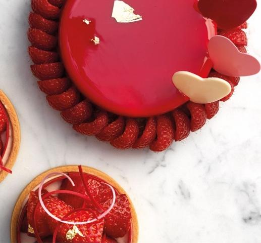 حلوى الشوكولا والفراولة