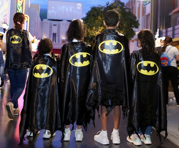 Fans celebrate Batman's 80th anniversary at Warner Bros. World