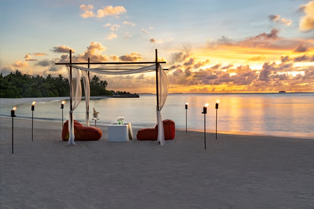 Niyama_Private_Islands_Maldives_Restaurant_Destination_Dining_On_Beach