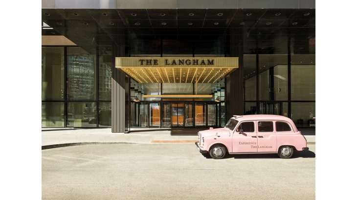 The Langham, Chicago_ entrance_pink_taxi